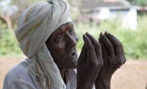Indian farmer begging Monsanto